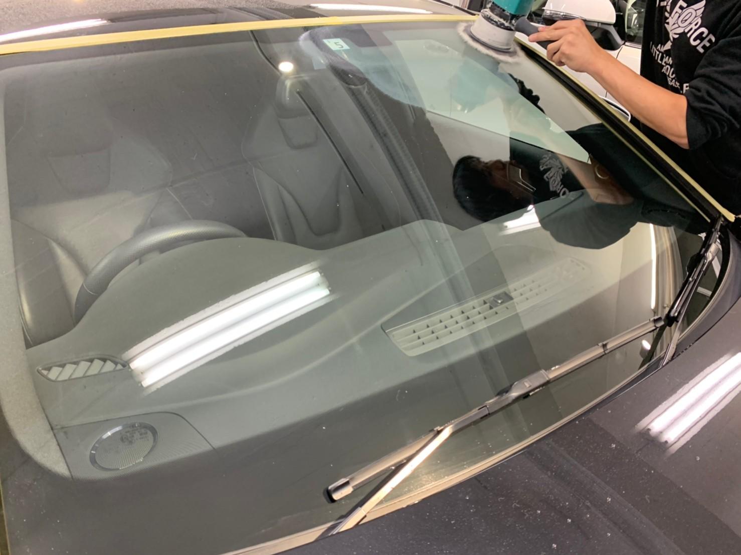 取り 車 ガラス ウロコ